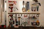 ściana z narzędziami